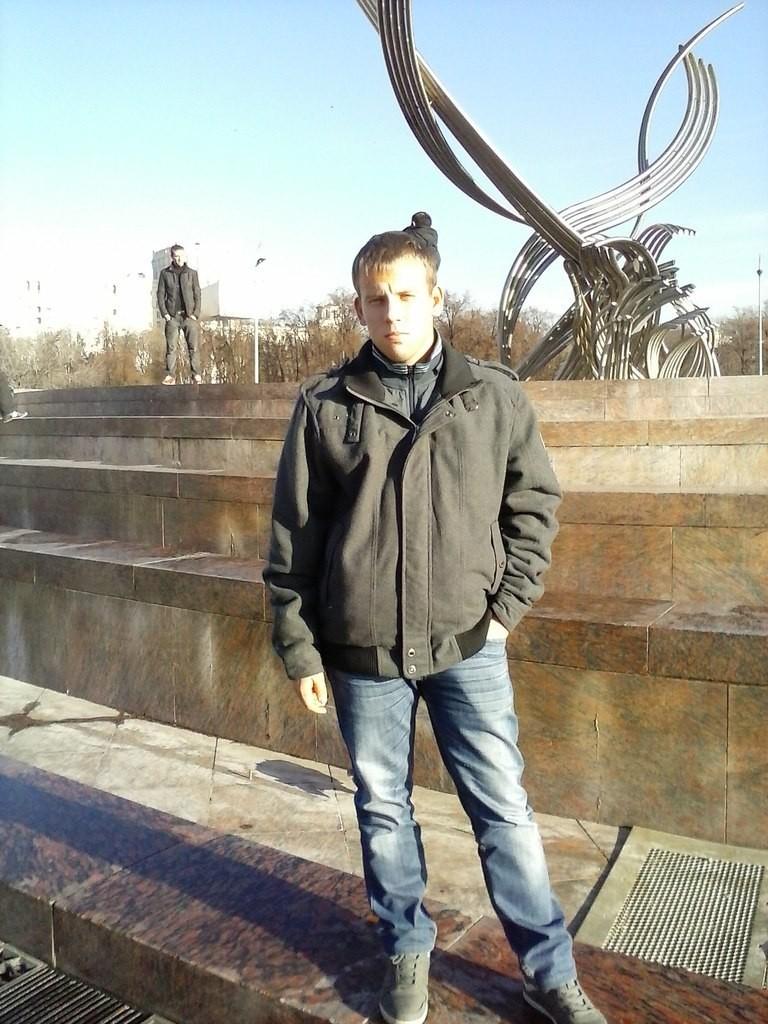 Знакомства Лиски, фото мужчины Степан, 28 лет, познакомится для флирта, любви и романтики, cерьезных отношений