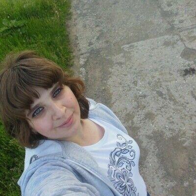 Знакомства Кировград, фото девушки Ирина, 27 лет, познакомится для флирта, любви и романтики, cерьезных отношений