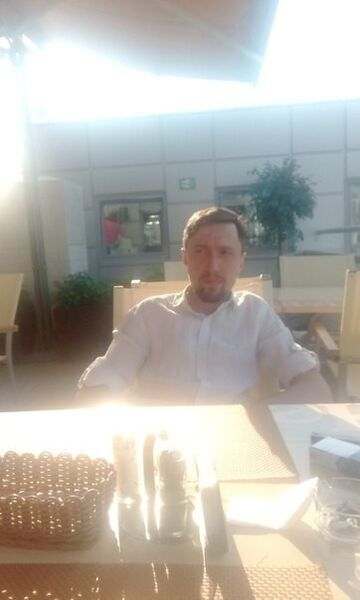 Знакомства Челябинск, фото мужчины Игорь, 33 года, познакомится для флирта, любви и романтики, cерьезных отношений