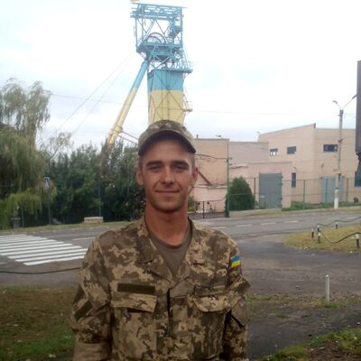 Фото мужчины Витя, Артемовск, Украина, 23