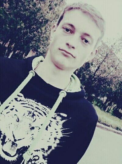 Фото мужчины Олег, Николаев, Украина, 19